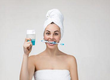 Zašto je bitno koristiti tečnost za ispiranje usta?